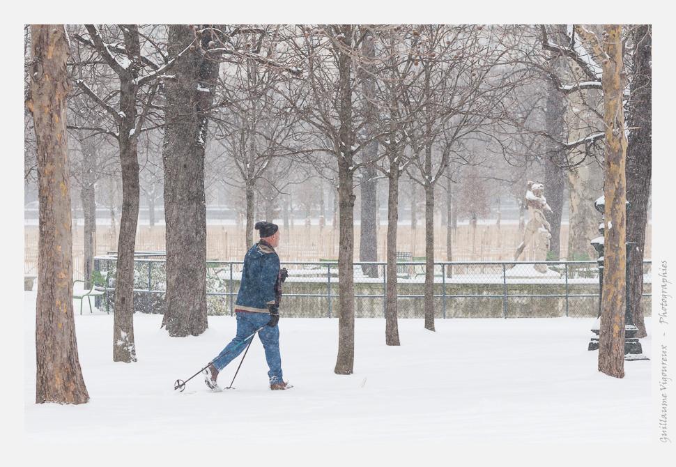 Skieur de fond dans le jardin des Tuileries