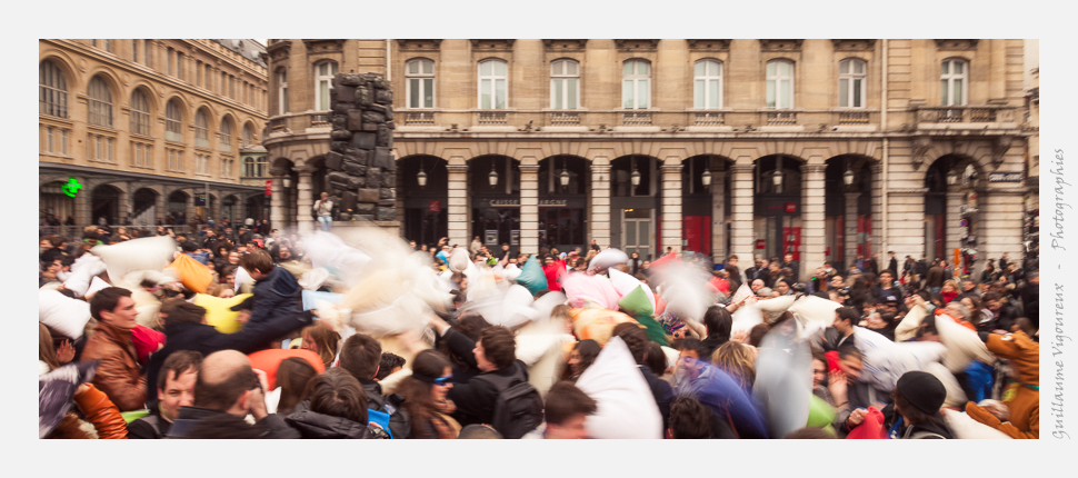 Pillow Fight Day 2013 - Paris